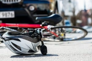 Helm schütz bei Fahrradunfällen